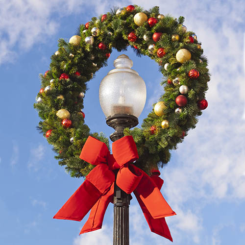 Outdoor Commercial Christmas Decorations Wholesale  from downtowndecorations.com