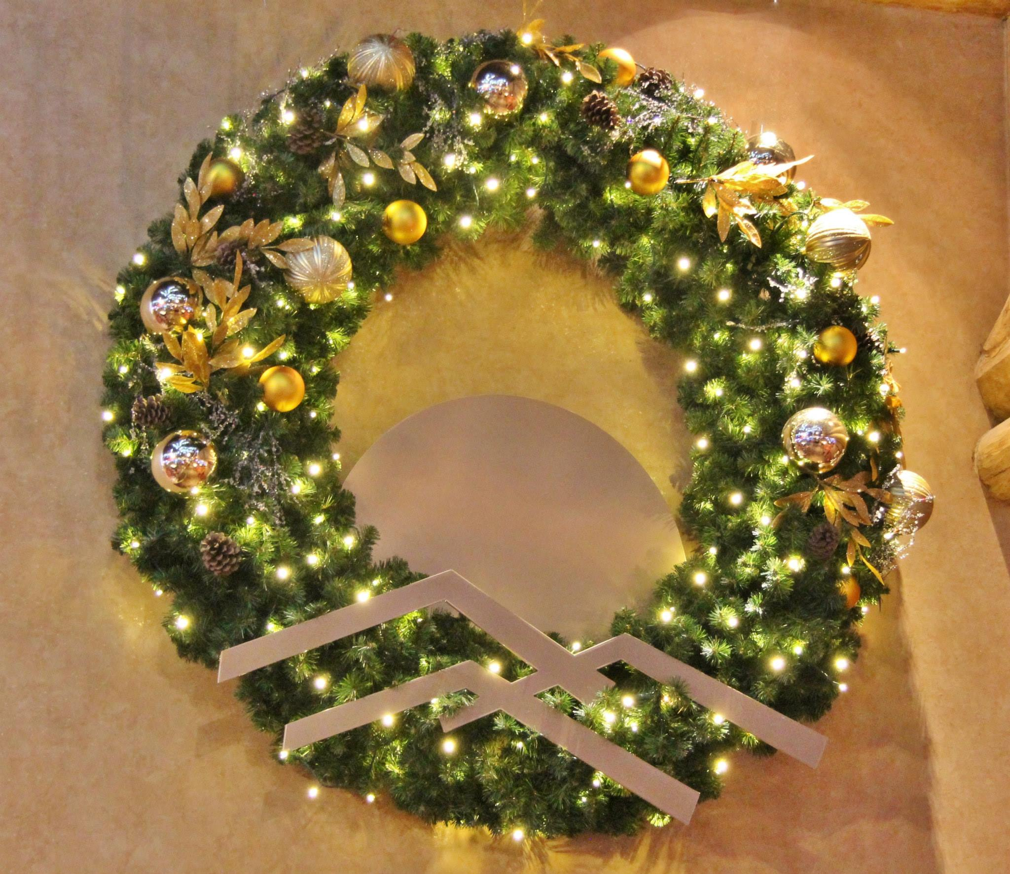 Wall Mount Wreath Unlit Downtown Decorations