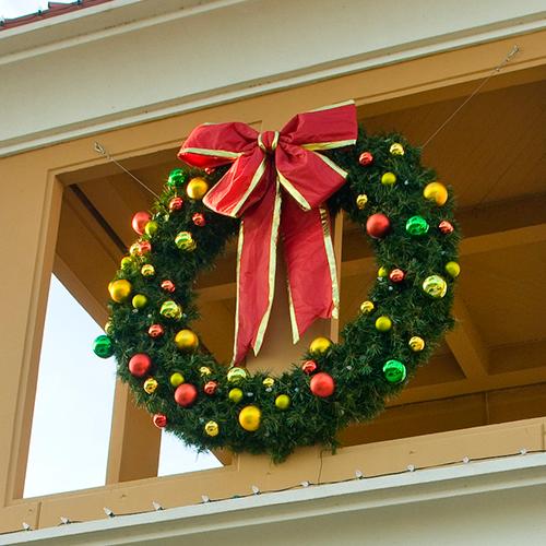 Commercial Grade Christmas Decorations: Wreaths, Garlands & Sprays